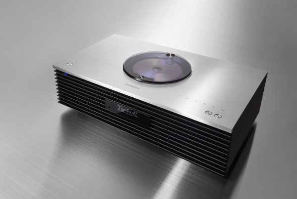 Technics SC-C70 Compact Stereo System Introduced